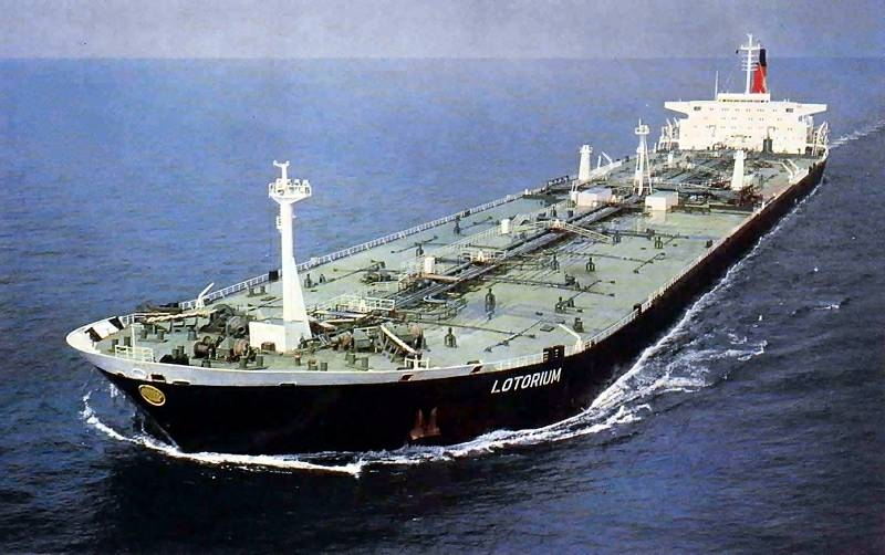 oil_tanker_Lotorium-HUGE